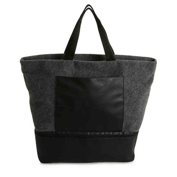 DSW Handbags - Gray felt tote NEW